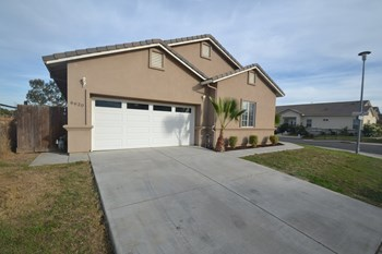6620 Sunview Way 4 Beds House for Rent Photo Gallery 1