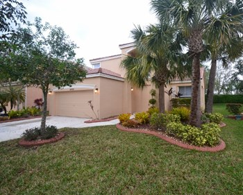 16805 SW 49th Ct 4 Beds House for Rent Photo Gallery 1