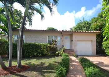 730 SW 20th Rd 4 Beds House for Rent Photo Gallery 1
