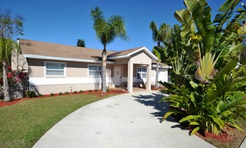 623 Palm Ave 3 Beds House for Rent Photo Gallery 1
