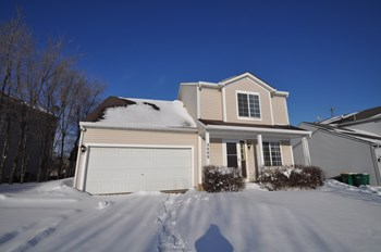 2400 N Quaker Hollow Ln 3 Beds House for Rent Photo Gallery 1