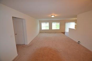 13453 Piccadilly Ct 3 Beds House for Rent Photo Gallery 1
