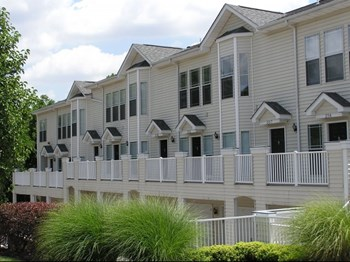 9305 Manchester Rd Studio-2 Beds Apartment for Rent Photo Gallery 1