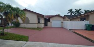4711 SW 142nd Court 3 Beds House for Rent Photo Gallery 1
