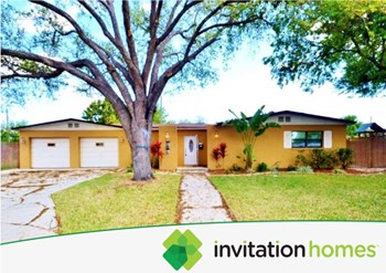 7595 17Th St N 4 Beds House for Rent Photo Gallery 1