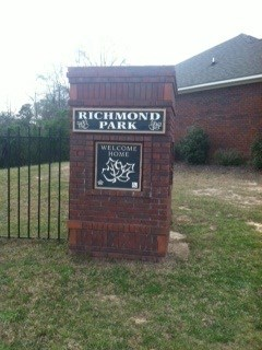 2 Richmond Park Dr. 3-4 Beds Apartment for Rent Photo Gallery 1