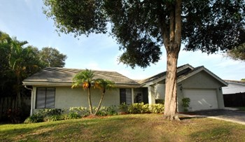 2366 NW 30th St 3 Beds House for Rent Photo Gallery 1