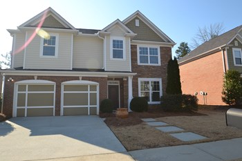 2536 Peach Shoals Cir 4 Beds House for Rent Photo Gallery 1