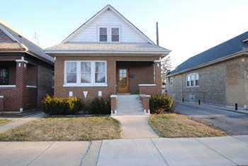 4550 W Schubert Ave 3 Beds Apartment for Rent Photo Gallery 1