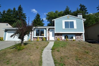 31622 8th Pl SW 3 Beds House for Rent Photo Gallery 1