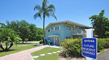 3890 Greenway Dr 1-3 Beds Apartment for Rent Photo Gallery 1