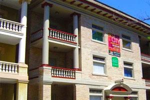 5733 Holden Street 2-3 Beds Apartment for Rent Photo Gallery 1