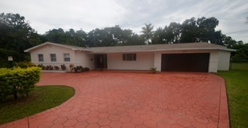 6297 Pine Ter 3 Beds House for Rent Photo Gallery 1
