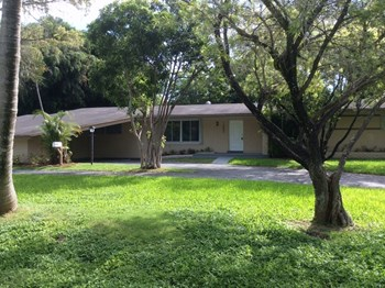 13805 Farmer Rd 4 Beds House for Rent Photo Gallery 1