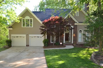 6926 Wolf Run Dr 5 Beds House for Rent Photo Gallery 1