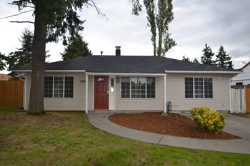 10519 Addison St SW 3 Beds House for Rent Photo Gallery 1
