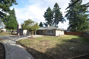 2626 94th Ave E 3 Beds House for Rent Photo Gallery 1