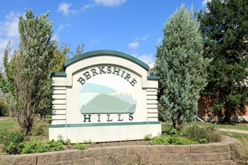 2901A Wyoming Drive 1-4 Beds Apartment for Rent Photo Gallery 1
