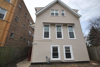 3140 N SPAULDING AVE 3 Beds House for Rent Photo Gallery 1