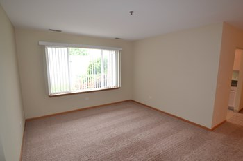 881 N Swift Rd Unit 104 2 Beds House for Rent Photo Gallery 1