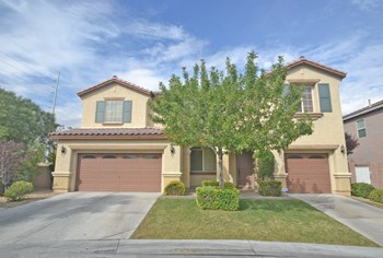 10032 SHARP RIDGE AVE 5 Beds House for Rent Photo Gallery 1