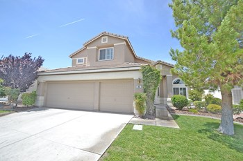 962 UPPER MEADOWS PLACE 4 Beds House for Rent Photo Gallery 1