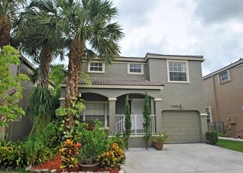 11748 SW 1st Street 3 Beds House for Rent Photo Gallery 1