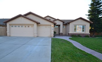 1070 Steele Way 4 Beds House for Rent Photo Gallery 1