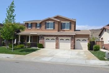 41027 Crimson Pillar 5 Beds House for Rent Photo Gallery 1