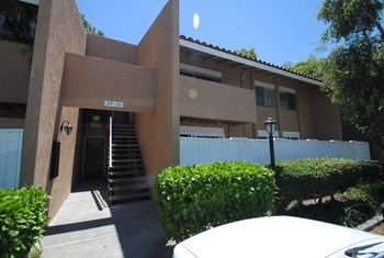 1001 W Macarthur - Unit 30 3 Beds House for Rent Photo Gallery 1