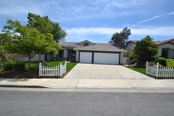 29512 Westwind Dr 3 Beds House for Rent Photo Gallery 1