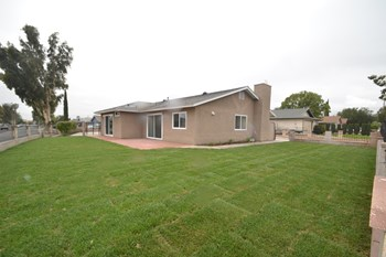 9870 Lime Ave 4 Beds House for Rent Photo Gallery 1