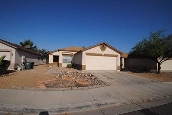 12628 N Main ST 3 Beds House for Rent Photo Gallery 1