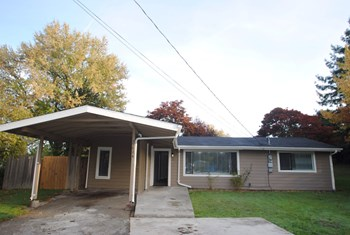 25024 21st Pl S 3 Beds House for Rent Photo Gallery 1