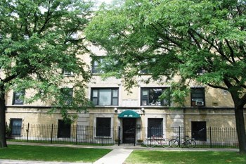 1901-09 W Wilson/4550-56 N. Wolcott 1-2 Beds Apartment for Rent Photo Gallery 1