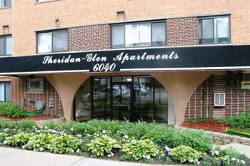 6040 N. Sheridan Studio-1 Bed Apartment for Rent Photo Gallery 1