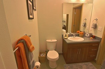 975 John Street Studio-1 Bed Apartment for Rent Photo Gallery 1