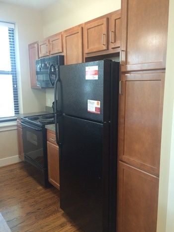 6110 Pershing Ave. 1 Bed Apartment for Rent Photo Gallery 1