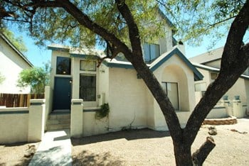 1535 N Horne Unit 23 3 Beds House for Rent Photo Gallery 1