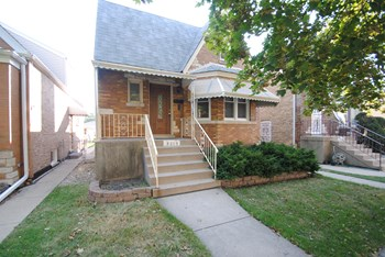 3219 N Neva Ave 4 Beds House for Rent Photo Gallery 1