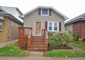 3511 N Olcott Ave 3 Beds House for Rent Photo Gallery 1