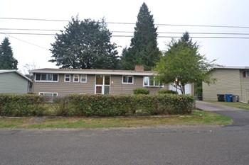 26819 37th Ave S 5 Beds House for Rent Photo Gallery 1