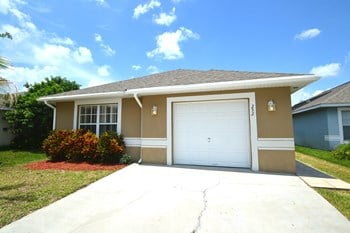 252 Owenshire Circle 3 Beds House for Rent Photo Gallery 1
