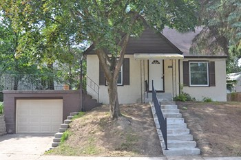 1834 Chelton Ave W 3 Beds House for Rent Photo Gallery 1