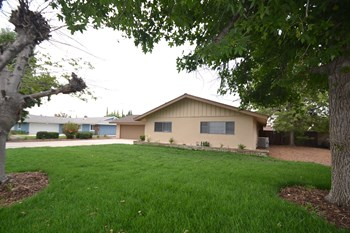 26185 Jonquil St 3 Beds House for Rent Photo Gallery 1
