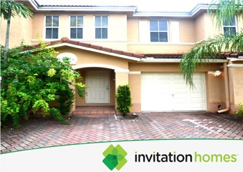 141 Riverwalk Circle 2 Beds House for Rent Photo Gallery 1