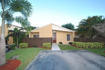 22563 Vistawood Way 3 Beds House for Rent Photo Gallery 1