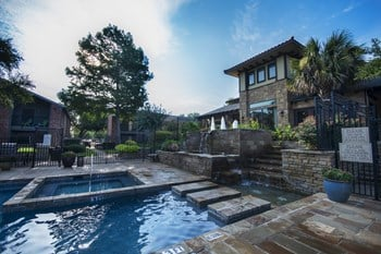 6901 NE Loop 820 1-2 Beds Apartment for Rent Photo Gallery 1