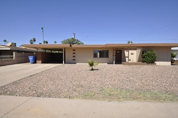 6206 W Fairmount Ave 3 Beds House for Rent Photo Gallery 1