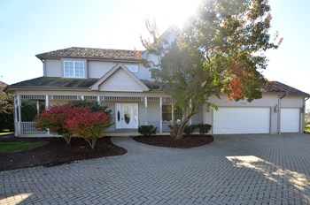 1526 Pine Lake Dr 4 Beds House for Rent Photo Gallery 1